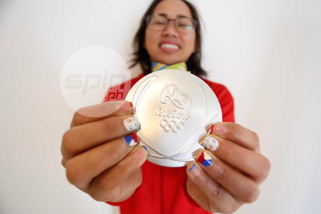 Hidilyn Diaz's Olympic silver medal now part of PH Sports Museum's permanent collection