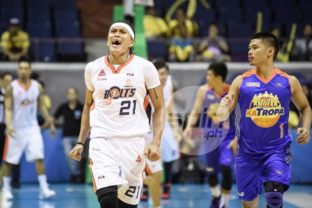 In biggest moment of PBA career, Hugnatan honors fallen friend Gilbert Bulawan