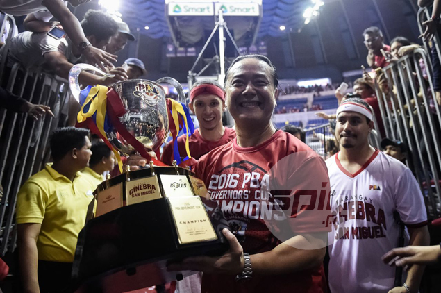Ginebra takes home the championship trophy after eight long years.
