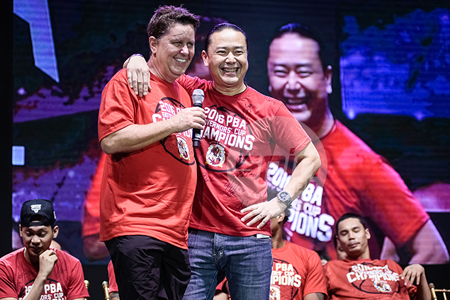 Ginebra coach Tim Cone and team manager Alfrancis Chua.