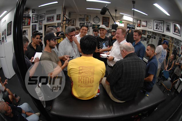 Pacquiao-Khan fight in doubt again as UAE investment a 'pie in the sky,' says Arum