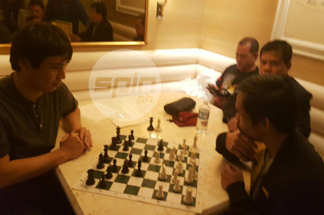 Chess, guests and more chess keep Pacquiao awake in wee hours after Vargas win