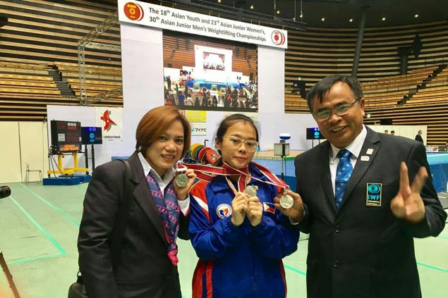 Teenager Dessa Delos Santos bags silver medals from Asian youth weightlifting