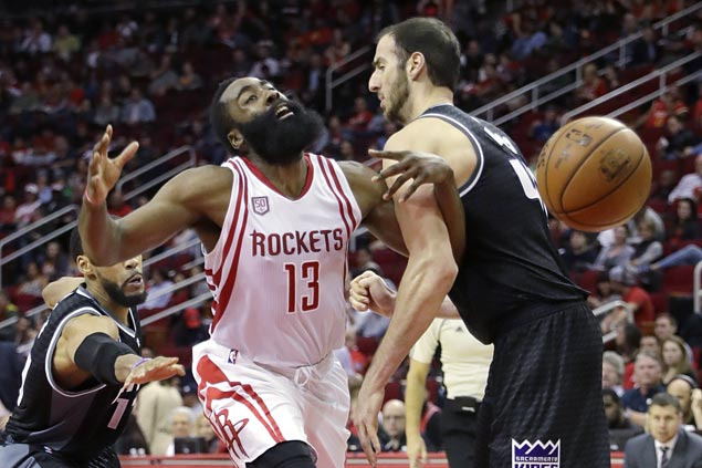 Here's all 24 of the Rockets' record-setting 3s
