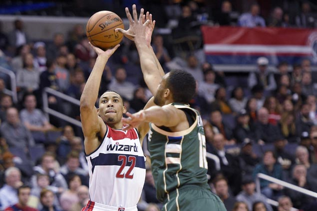 Antetokounmpo scores 39, Bucks beat Wizards 123-96