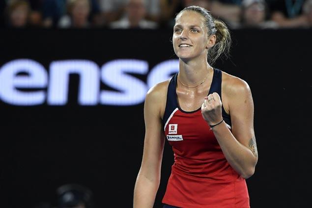 Karolina Pliskova eases past Daria Gavrilova to gain Aussie Open quarterfinals