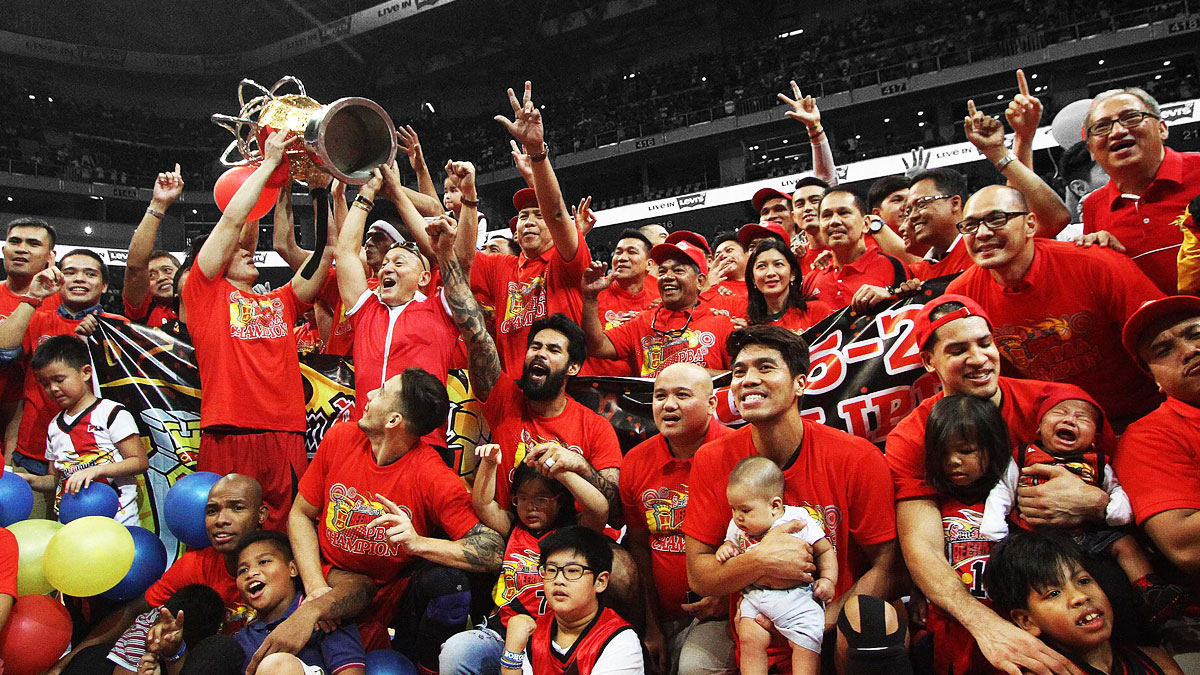 http://www.spin.ph/sportsman-of-the-year/2016/sportsmen-who-succeed-as-one-san-miguel-beermen-alaska-aces-philippine-cup-greatest-comeback-basketball-history