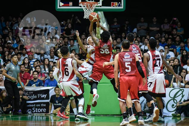 Arwind Santos says Devance got away with loose-ball foul, double-dribble violation in buzzer-beater