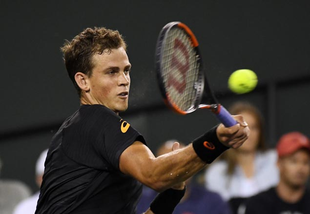 World No. 129 Vasek Pospisil stuns top-ranked Andy Murray in opening match at Indian Wells