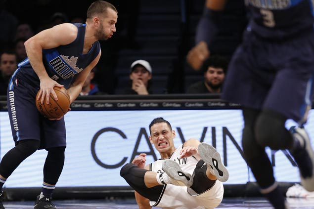JJ Barea sparks late surge as Mavericks bounce back with win over lowly Nets