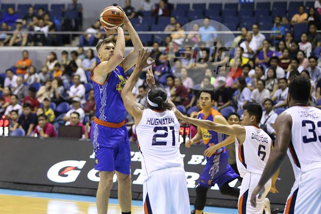 Lou Amundson gets passing mark from Racela, TNT teammates, but can he keep job?