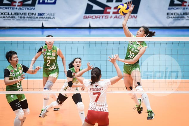 Titleholder La Salle back in familiar spot, gains share of lead after rout of lowly UE