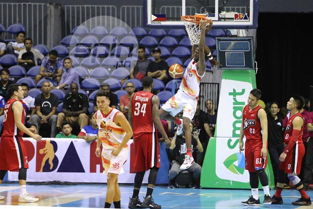 McKay explodes for 42 as Phoenix bests Alaska