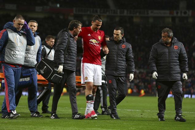 Man United injury woes pile up as Zlatan Ibrahimovic hurts knee in Europa League win