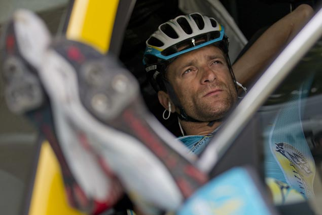 Thousands gather for funeral honoring former Giro d'Italia winner Michele Scarponi