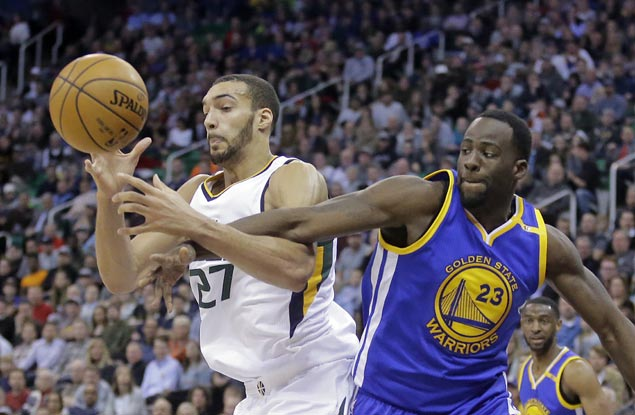 Curry switches Jazz off in Western Conference