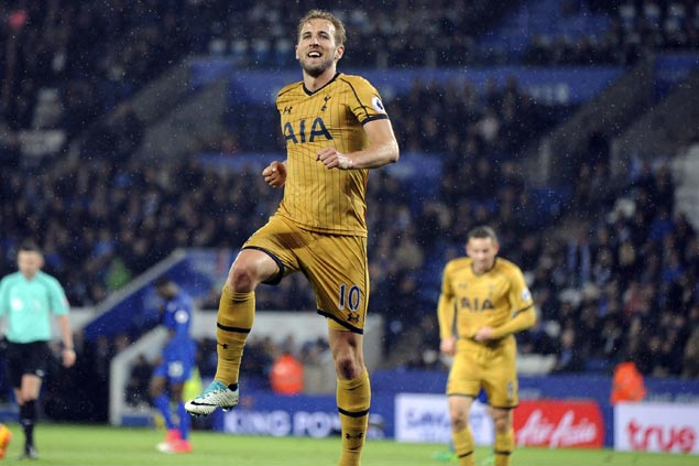 Harry Kane tightens hold on EPL scoring lead with four more goals as Tottenham crushes Leicester