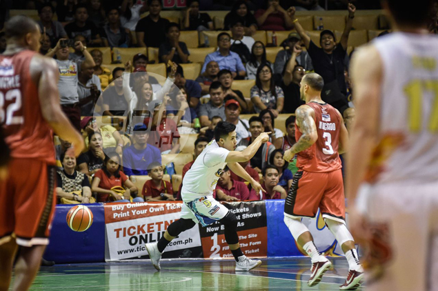 Rain or Shine gives Ginebra a dose of its own medicine with a brave fightback