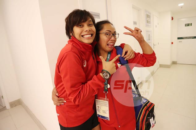 Hidilyn Diaz confident pal, fellow Olympian Ian Lariba will win biggest battle of her life
