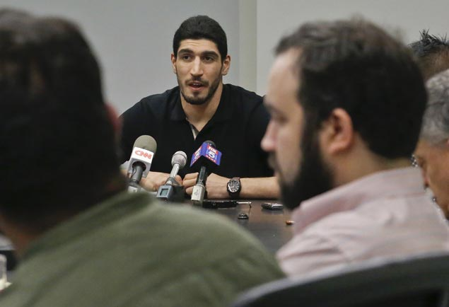Oklahoma City Thunder's Enes Kanter says father arrested by Turkish government