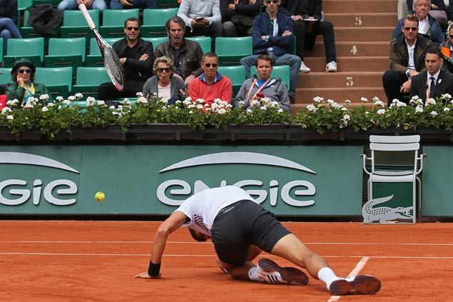 Djokovic 'tanked' the last set, says McEnroe