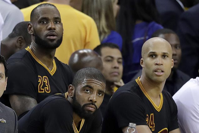 Warriors haven't made White House visit decision