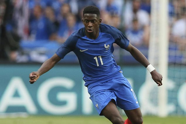 Ousmane Dembele scores winner as 10-man France stuns ...
