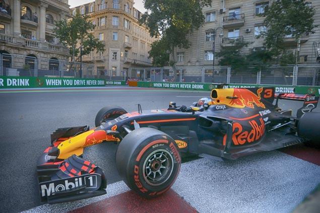 Ricciardo tops chaotic Azerbaijan GP as Hamilton accuses Vettel of 'disrespectful' driving