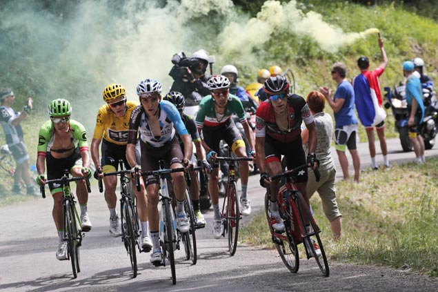 As top rivals fall back, Fabio Aru leads handful of riders who can challenge Chris Froome for title