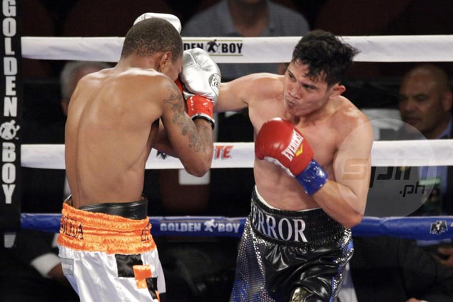 Recky Dulay steals spotlight in Berchelt-Miura WBC card with 3rd round KO of highly-touted Panamanian foe