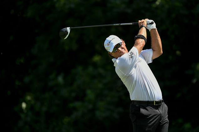 Scott McCarron rises from six down to win as Bernhard Langer falters in closing holes