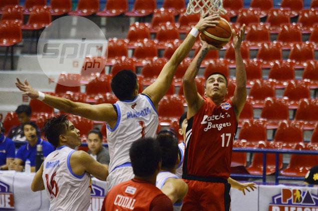 Marinerong Pilipino spoils Mac Cardona's return, routs Zark's Burger to keep playoff hopes alive