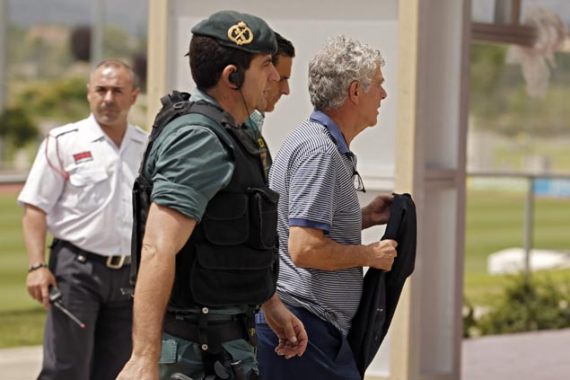 Spanish football federation chief and son arrested on corruption charges