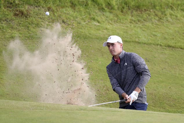 Jordan Spieth fires 65 to carry three-stroke lead into final round of The Open