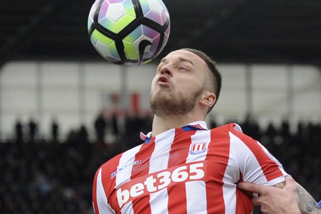 West Ham signs Marko Arnautovic from Stoke for club-record fee