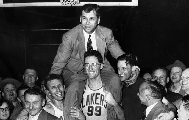 Lakers five-time champion coach John Kundla passes away at 101