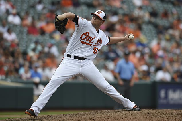 Zach Britton sets new American League record for consecutive saves as Orioles down Astros