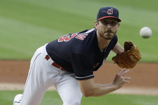 Josh Tomlin solid in six, Carlos Santana homers twice as Indians down Reds for fourth straight win