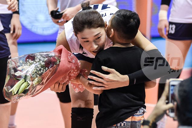 Korea star KYK feels at home as Pinoy fans shower her with love, adoration. WATCH