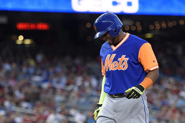 Mets OF Yoenis Cespedes leaves game to injury