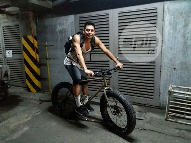 Mac Baracael not only beating Manila traffic, but also getting extra workout with his fatbike