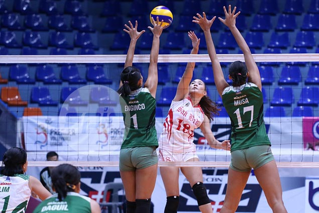 Cesca Racraquin stars as San Beda gets back on track with four-set win over St. Benilde