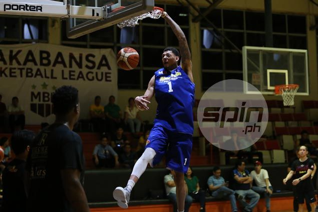 Naturalized player prospect Isaiah Austin turns heads in first practice with Gilas Pilipinas