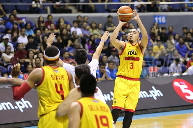 Hotshots erase early double-digit deficit to deny Road Warriors Top Four finish