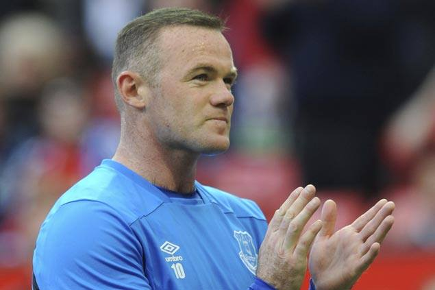 Late Wayne Rooney penalty salvages draw for Everton against Brighton