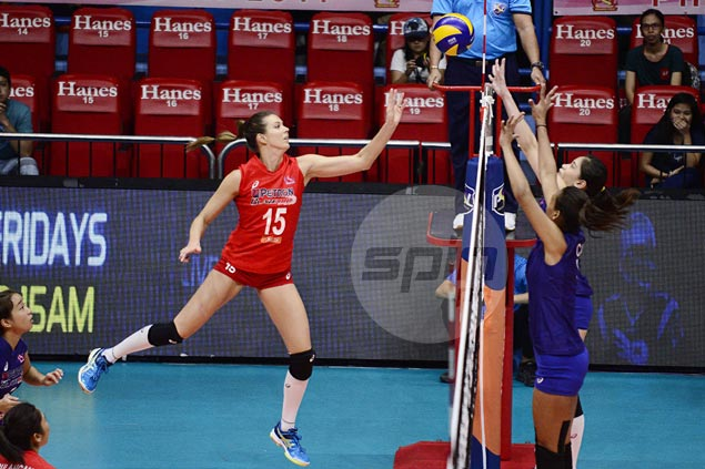 Lindsay Stalzer stars for Petron in straight-sets win over Generika in PSL Grand Prix opener