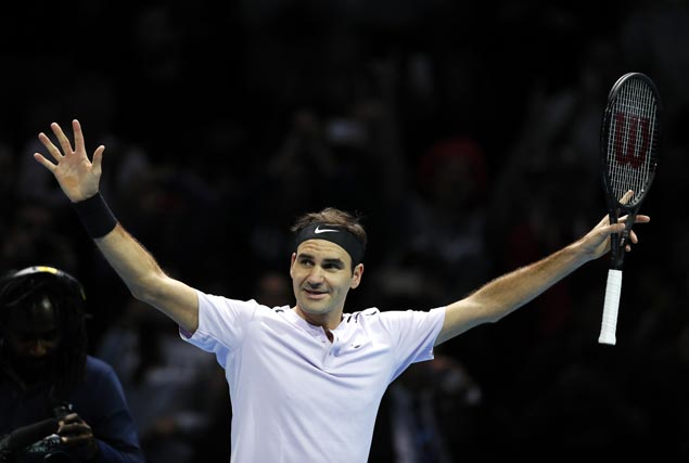 Roger Federer lifts fans' spirits by making semis at ATP finale after Rafael Nadal pullout