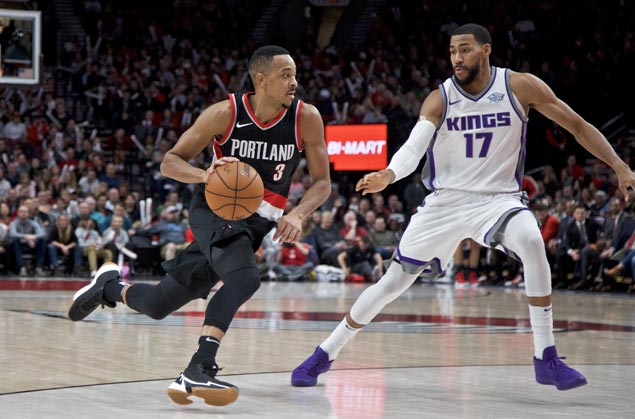 Trail Blazers get back on winning track as Kings' road woes continue