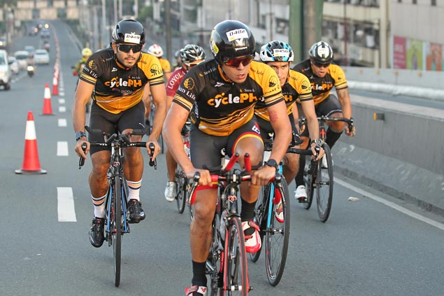 Over 1,000 take part in Global City cycling event featuring former Tour de France rider Robbie McEwen