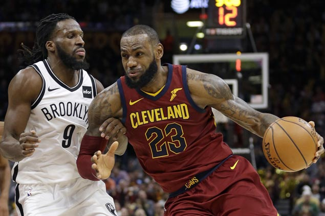 LeBron scores 23 in fourth after getting stitches in third as Cavs get back at Nets